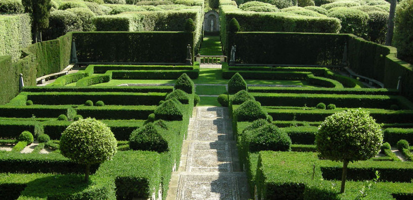 Italian style gardens: geometry and order